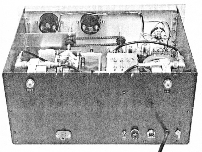 A low-drive, grounded-grid 3CX800A7 amplifier