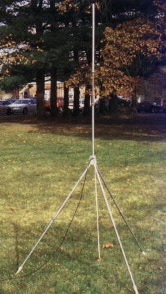 A Ground Coupled Portable Antenna